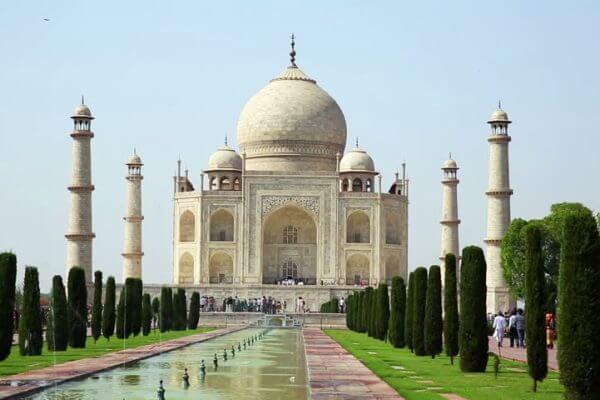 Agra Tajmahal Tour Attraction