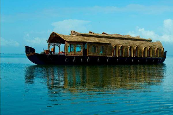 Kumarakom Houseboat - Tourist Attraction