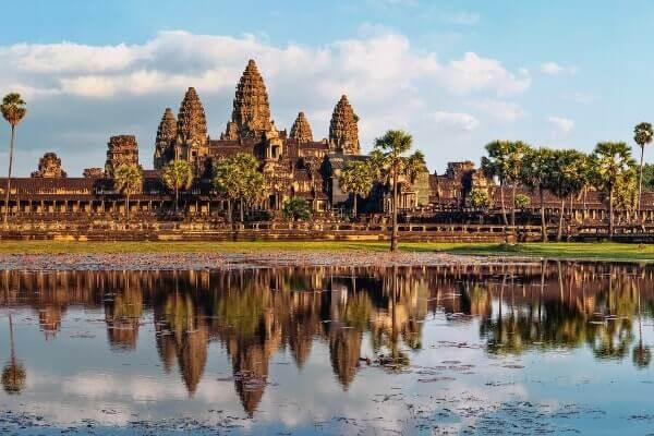 Angkor Wat temple Siem reap tour packages