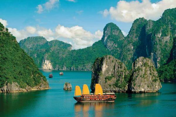 Ha Long Bay Vietnam day tour